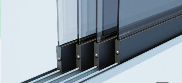 glazen schuifwand in 3 rails